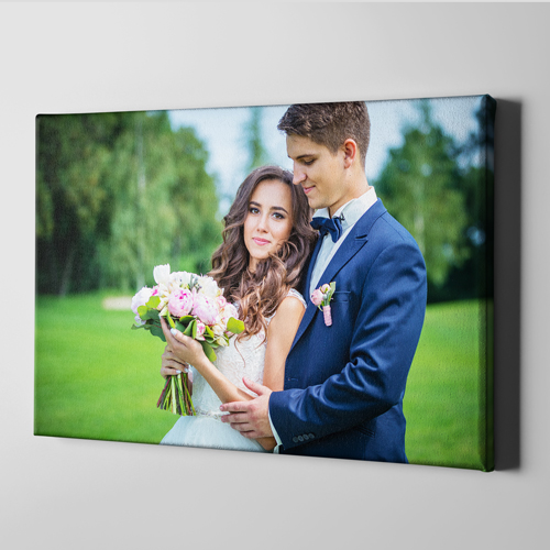 https://www.print2go.com/images/products_gallery_images/canvas.jpg